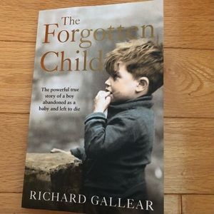 🍒2/$10 The Forgotten Child by Richard Gallear